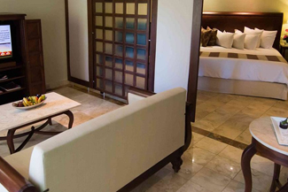 Golden Swim-Up Jr. Suite - Valentin Imperial Riviera Maya